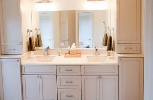 Chatham Shaker Bath, Candlelight Cabinetry. Chatham Shaker