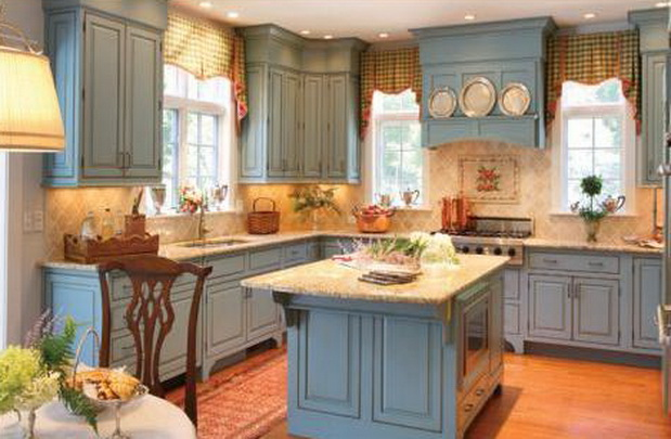 Bayport Blue Kitchen Candlelight Cabinetry