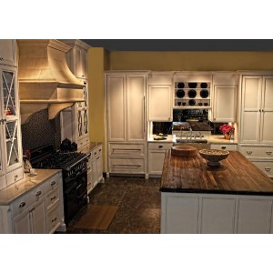 EuroStyle Painted kitchen, Mouser