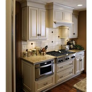 Hamilton kitchen by Showplace Wood