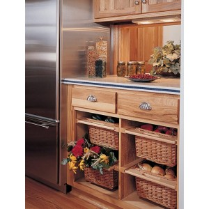 Hickory Natural kitchen by Holiday Kitchens