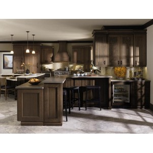 Lennoir kitchen, Omega Cabinetry