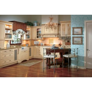 Melrose Maple kitchen by Wellborn