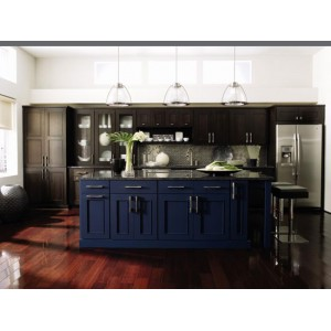Metro kitchen, Omega Cabinetry