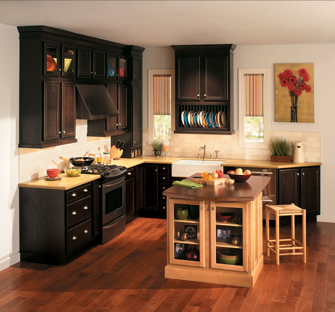 Quality Kitchen Cabinets: Kitchens And Baths Manufacturer