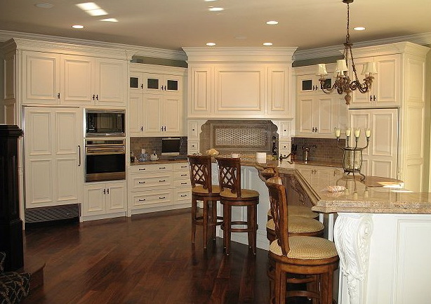 Craft maid usa kitchens and baths manufacturer for Extravagant kitchen designs