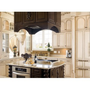 Classic kitchen, Hampshire Cabinetry