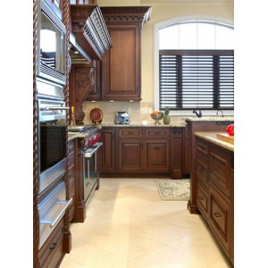 Family kitchen, Ovation Cabinetry